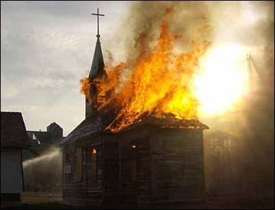 Insólita quema de iglesia en Dinamarca.
